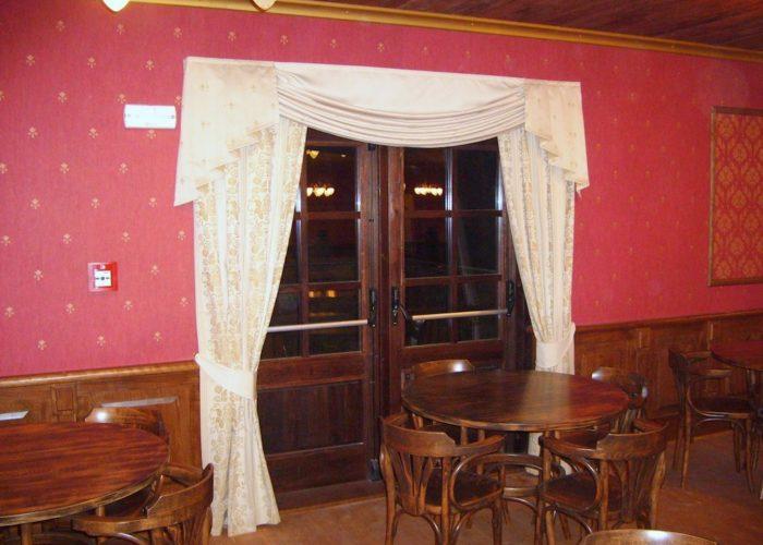 dekorační stylové závěsy a obloukové girlandy Westernové městečko Boskovice