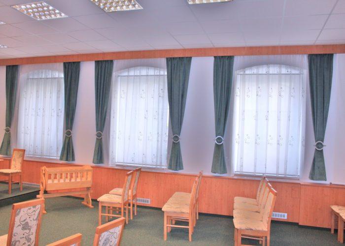 dekorační závěsy a záclony pro obřadní síň Olešnice