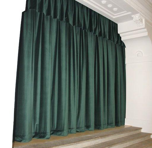 sametová divadelní opona zelená Chrudim 2