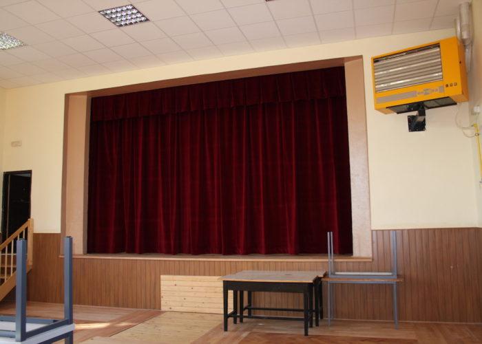 výroba divadelní opony pro malou obec Vítanov 2